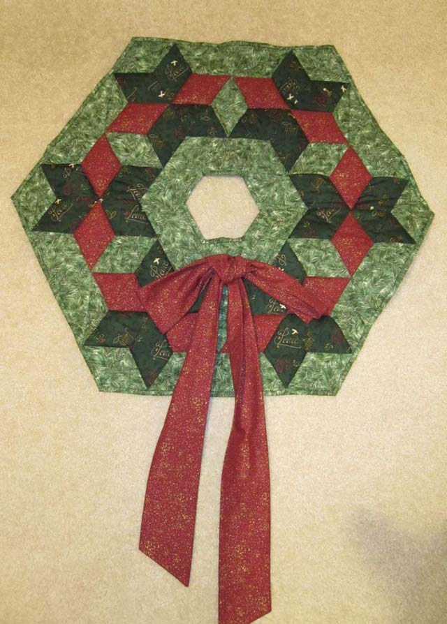 Found in Oh My Stars!, page 35 - Christmas Wreath by Martha E